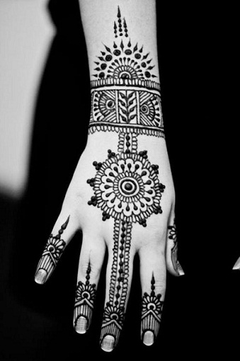 PARTY MEHNDI-Moroccon Mehendi Designs