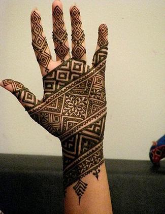 Quick Mehendi Designs-zigzag patterns