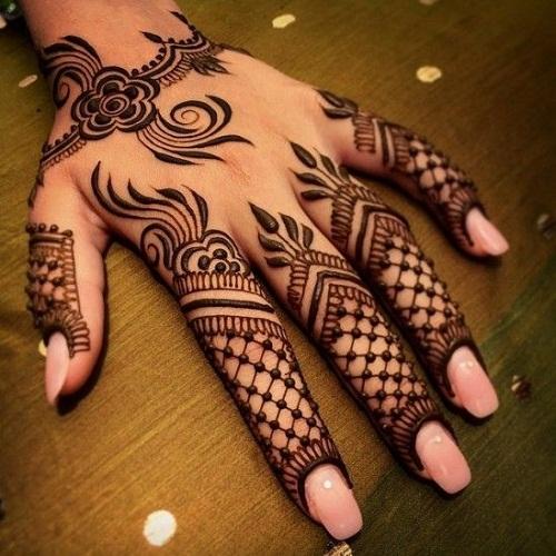 Ruposhi Mehndi Designs