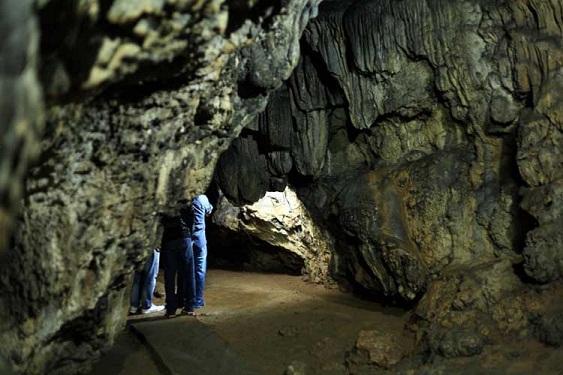 Mawsmai Cave Road