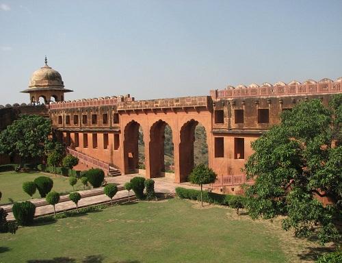 Honeymoon Places In Jaipur - Jaigarh Fort
