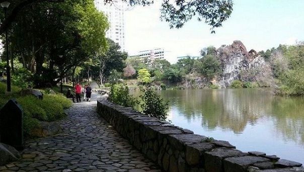 honeymoon-places-in-singapore_bukit-batok-town-park