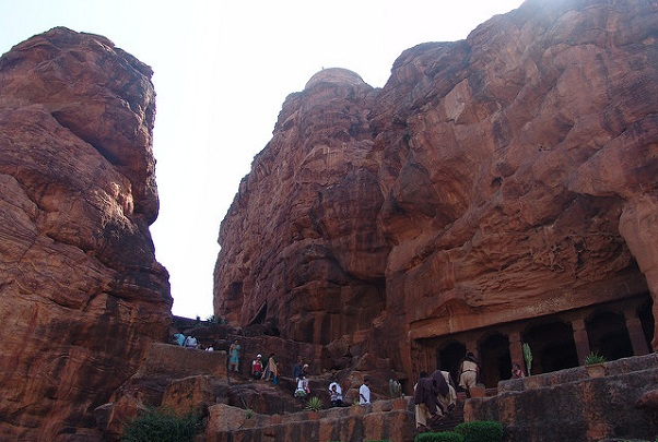 honeymoon-places-in-karnataka_badami