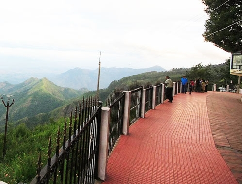 Honeymoon Places in kodaikanal CoakerS Walk