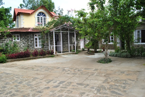 Honeymoon Places in kodaikanal LillyS Valley Resort