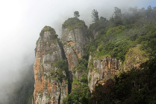 Honeymoon Places in kodaikanal Pillar Rocks