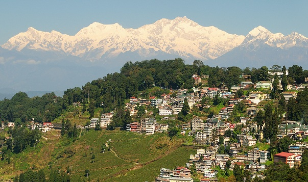 honeymoon-places-on-a-budget_darjeeling-west-bengal