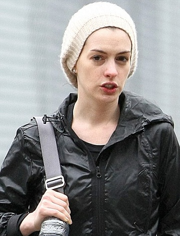 Anne Hathaway without makeup 2