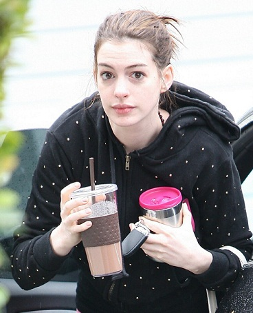 Anne Hathaway without makeup 4