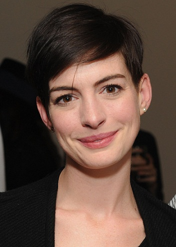 Anne Hathaway without makeup 9