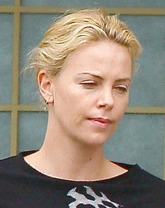 10 pictures of a charlize theron without makeup