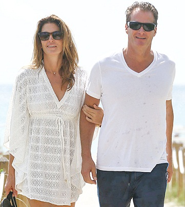 Cindy Crawford without makeup 10