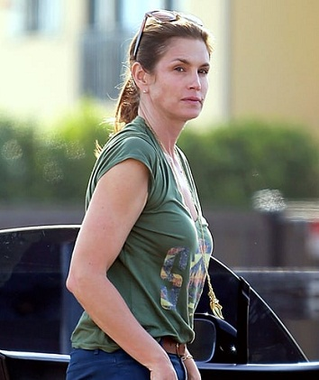 Cindy Crawford without makeup 2