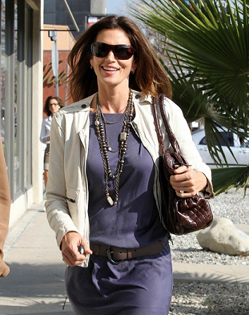 Cindy Crawford leaving a Photo Studio