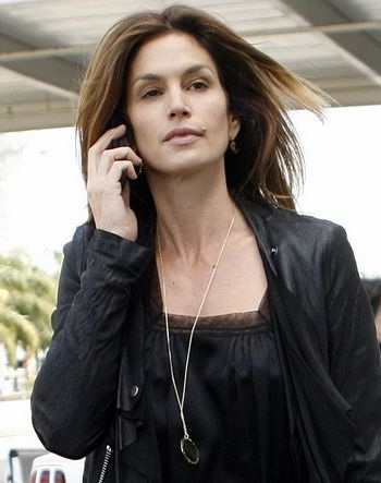 Cindy Crawford without makeup 8