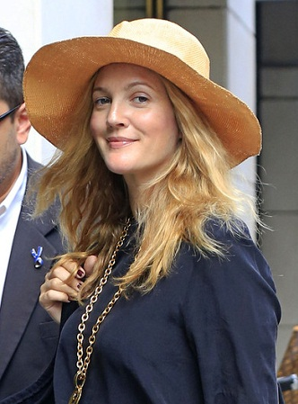 Drew Barrymore without makeup 4