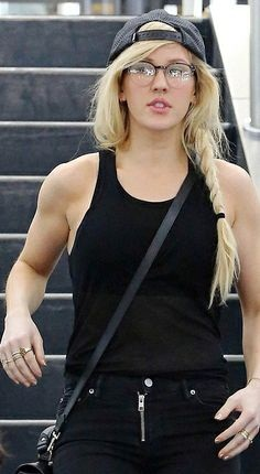 Ellie Goulding without makeup 4