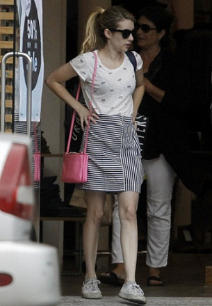 Emma Roberts without makeup 7