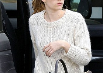 Emma Roberts without makeup 9
