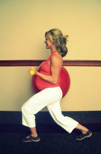 Exercises During Second Trimester-Lunge and Shoulder press