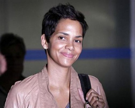 Halle Berry without makeup 3