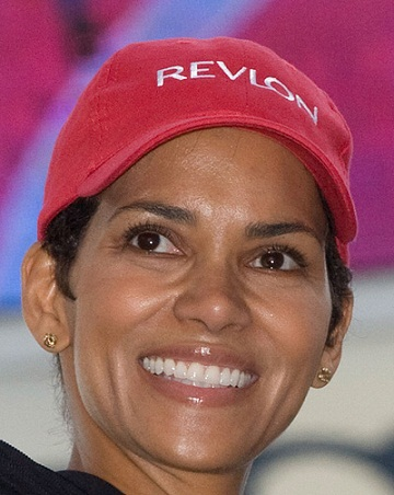 Halle Berry without makeup 4