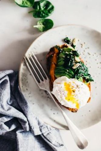 Healthy Recipes For Pregnant Women-Spinach, Egg and Avocado Stuffed Sweet Potato