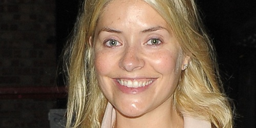 FAMEFLYNET - Holly Willoughby Spotted Make Up Free After Filming Celebrity Juice