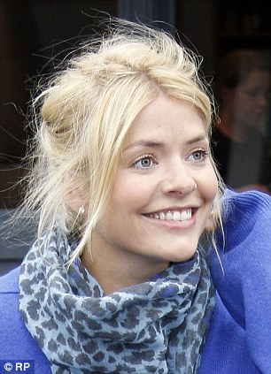 Holly Willoughby Without Makeup 10