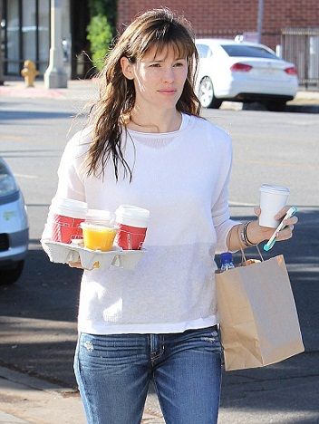 Jennifer Garner without Makeup 6