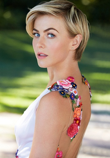 Julianne Hough without Makeup 6