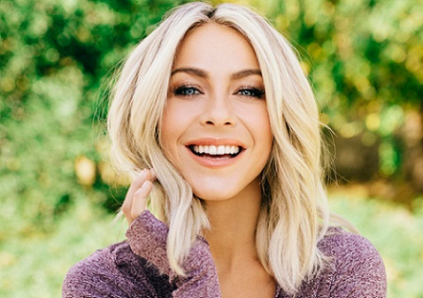 Julianne Hough without Makeup 7