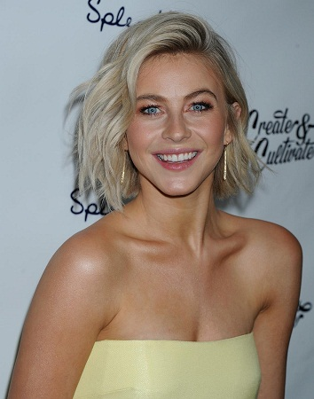 Julianne Hough without Makeup 9