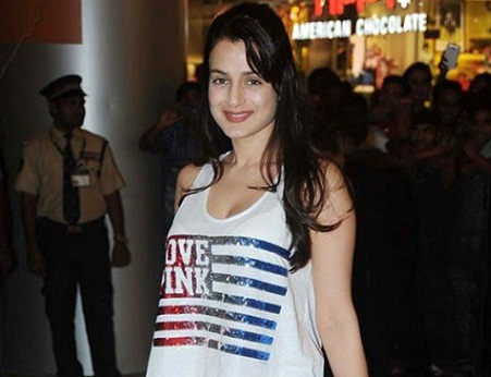 Amisha Patel without makeup8