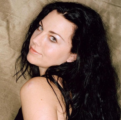Amy Lee without Makeup