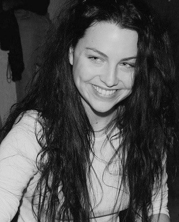 Amy Lee without makeup3