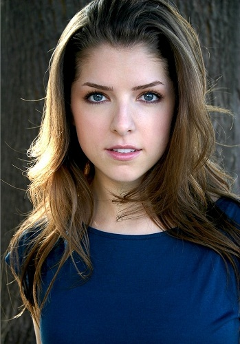 Anna Kendrick Without Makeup 5