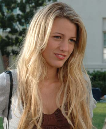 Blake Lively Without Makeup 12