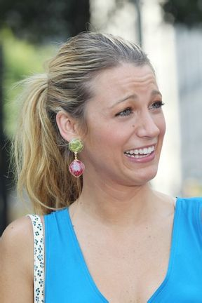 Blake Lively Without Makeup 5