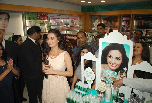 Dia Mirza Without Makeup 10