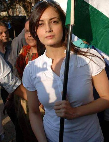 Dia Mirza Without Makeup 6