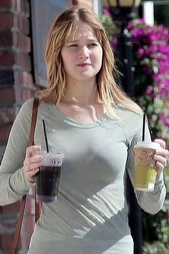 Jennifer Lawrence Without Makeup 1