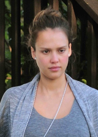 Jessica Alba Without Makeup 3