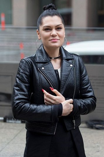 Jessie J without makeup 10