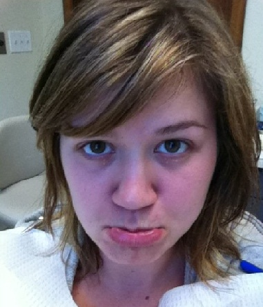 Kelly Clarkson without makeup3