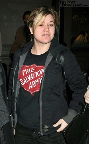 Kelly Clarkson without makeup9