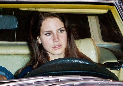Lana Del Ray without makeup11