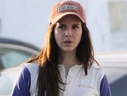 Lana Del Ray without makeup5