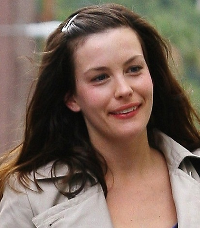 14 stunning pictures of liv tyler without makeup  styles