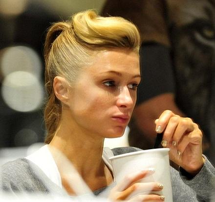 10 Pictures of Paris Hilton without Makeup